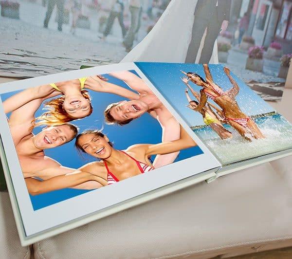 Valokuvakirja omista kuvista lahjaksi