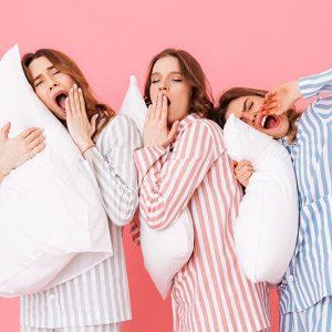 Pyjamat ja yövaatteet naisille