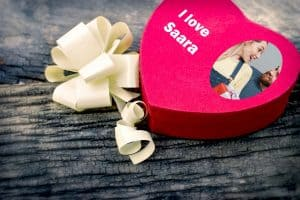 Suklaa omalla kuvalla ja tekstillä